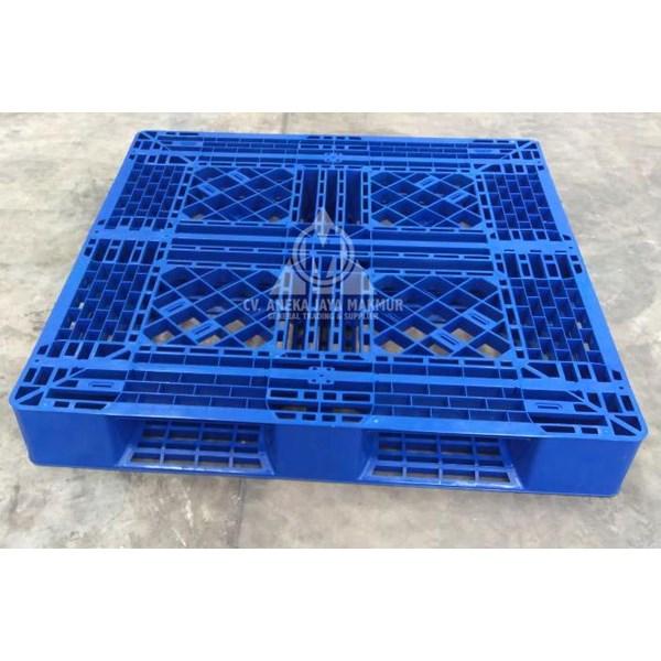 Pallet Plastik Type NS 1111 4-4FP