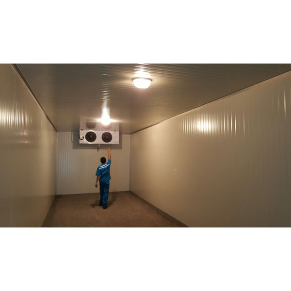 Jasa Pembuatan Cold Storage Panel Sandwich Polyurethane