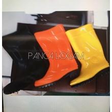 Sepatu Boots Karet  Lentur