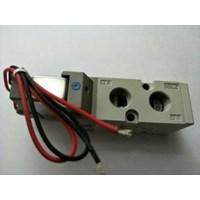 Distributor Solenoid Valve SMC VF3130 5G1 02 Japan 3
