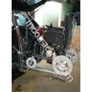 Pengangkat Kursi Roda