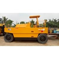 Distributor Mesin Pembuat Aspal Tire Rollers Sakai TS200 3
