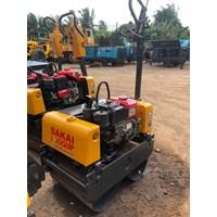 Mesin Pemadat Tanah Baby Rollers SAKAI HV60ST Build Up Jepang