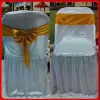 Sarung Kursi Putih Aksen Pita Gold