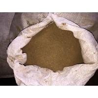 Tepung Bulu (Makanan Ikan)