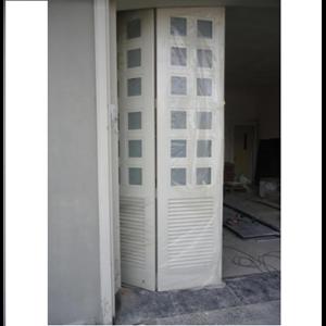Pintu Garasi Lipat Tipe 4