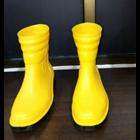 Sepatu Safety Goco Pendek 1