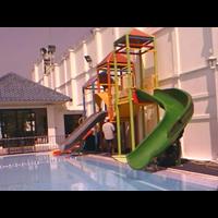 perosotan kolam renang 1