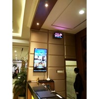 TV LCD DIGITAL SIGNAGE WALL MOUNTED 65'' INCH
