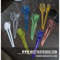 Sendok dan Garpu Plastik