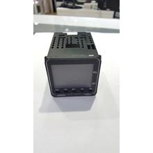 Omron Temperature Controller E5CC-QX2ASM-800