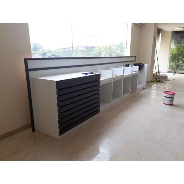 Booth Display Kayu 3