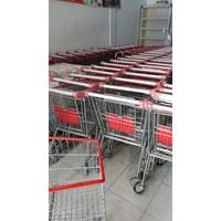 Troli Supermarket dan Barang