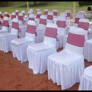 Sarung Kursi Dengan Aksen Pita Pink