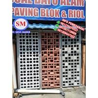 Dari Jual  Batu Alam Roster Beton / Lubang Angin LA 02  Di Medan 2