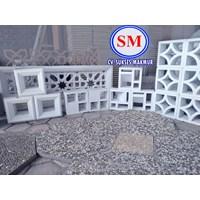 Jual  Jual Batu Alam Roster Beton / Lubang Angin LA 03 Di Medan