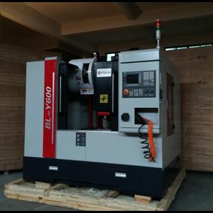 Mesin CNC Centre Y600