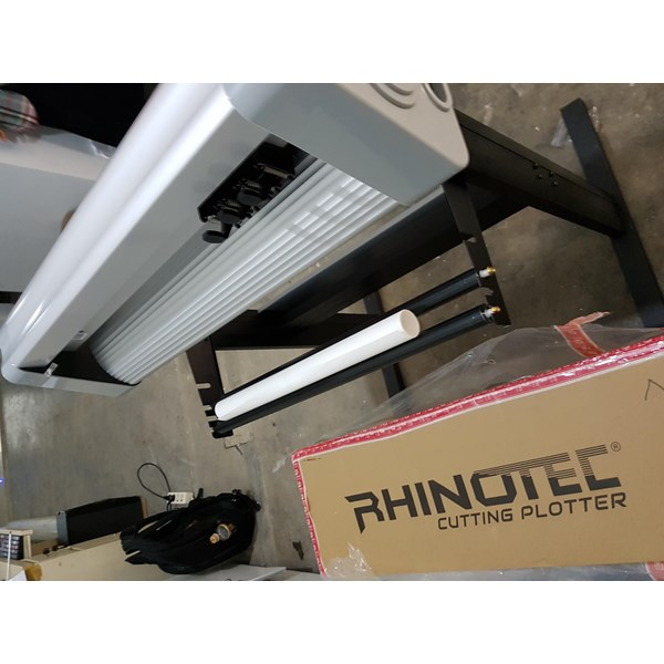 Mesin Cutting Sticker RHINOTEC Teneth RC- 60 cm