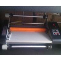Distributor Mesin Laminasi Roll High Press Standard 65cm Laminating roll 3