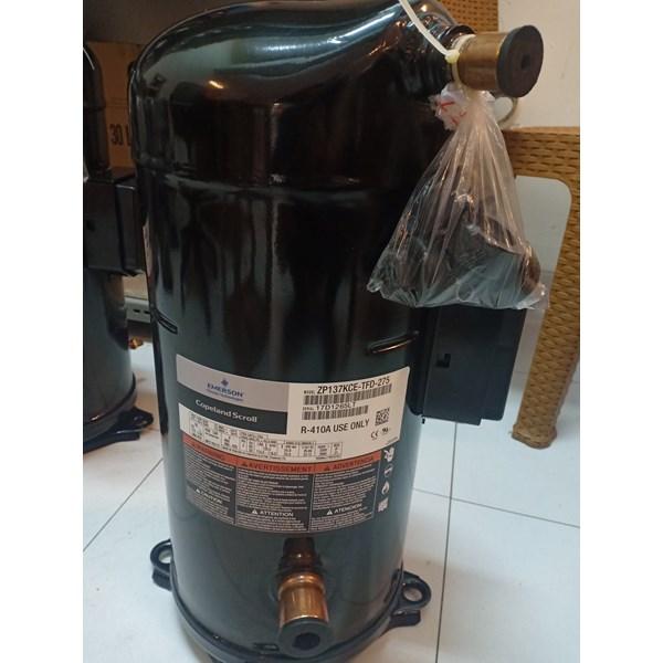 Kompresor AC COPELAND SCROLL ZP137KCE-TFD-275