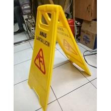 Floor sign/papan pengingat awas licin