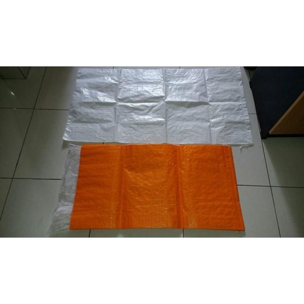 Plastik Pembungkus