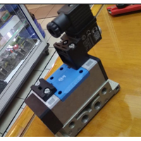 Selenoid Valve Yuken DSG-03-2B2-A100-50125  1