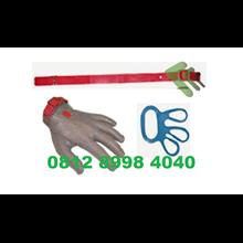 Chain mesh glove