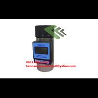 Portable Digital Moisture and Temperature Meter kjt