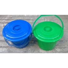 Timba 4 galon tutup deluxe plastik merk ADA plastik