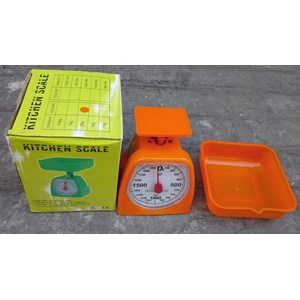 Dari Timbangan Duduk Kitchen Scale atau timbangan plastik 2 kg.  1