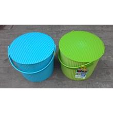Plastic Round container merk Lucky Star kode 3031