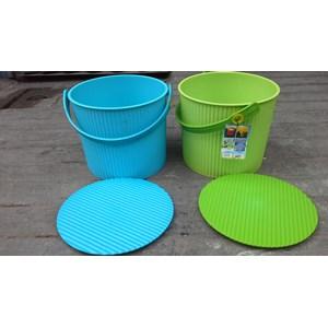 Dari Plastic Round container merk Lucky Star kode 3031 1