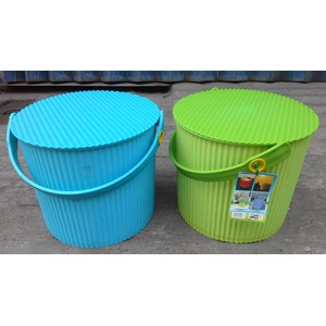 Dari Plastic Round container merk Lucky Star kode 3031 2