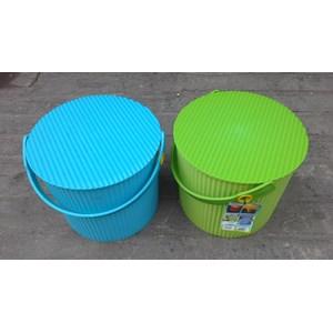 Dari Plastic Round container merk Lucky Star kode 3031 0