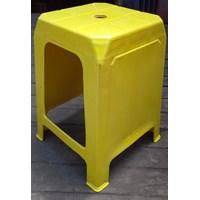 Kursi Plastik Neoplast Warna Kuning 1