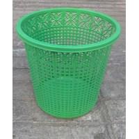 Tempat Sampah Plastik Lubang Omega 1