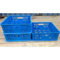 keranjang plastik Tempat krat gelas isi 25 pcs bersekat 5x5 merk 7001 rabbit warna biru 1