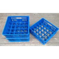 Distributor keranjang plastik Tempat krat gelas isi 25 pcs bersekat 5x5 merk 7001 rabbit warna biru 3