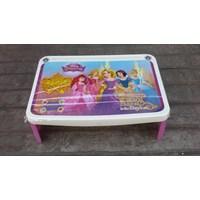 Meja plastik lesehan untuk anak usia 3 tahun keatas motif princess merk Napolly Murah 5