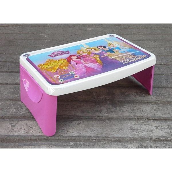 Meja plastik lesehan untuk anak usia 3 tahun keatas motif princess merk Napolly