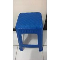 Kursi plastik biru atau bangku bakso anyaman model Y kode 3Y3 merk Napolly