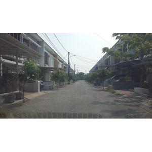Dari  Disewakan Rumah murah Di perumahan grand semanggi Mangrove Surabaya 3