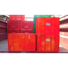 Keranjang plastik industri krat buntu 8895 merk Lucky Star merah