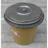 Jual alat dapur lainnya ember plastik 2.5 galon clarita coklat plus tutup 2