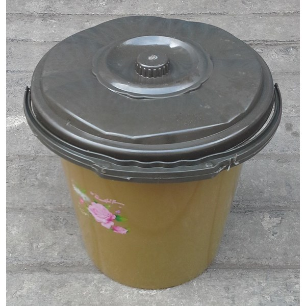 alat dapur lainnya ember plastik 2.5 galon clarita coklat plus tutup