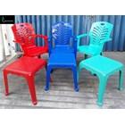 Kursi Plastik Kursi plastik 809 ada sandaran tangan dan meja catur merk Napoli 3
