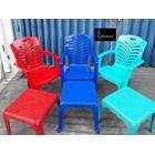 Kursi Plastik Kursi plastik 809 ada sandaran tangan dan meja catur merk Napoli 2