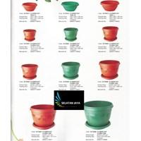 Produk Plastik Rumah Tangga Pot plastik tipe Floria merk Maspion