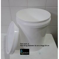 Sell Round white plastic pail brand JL 2